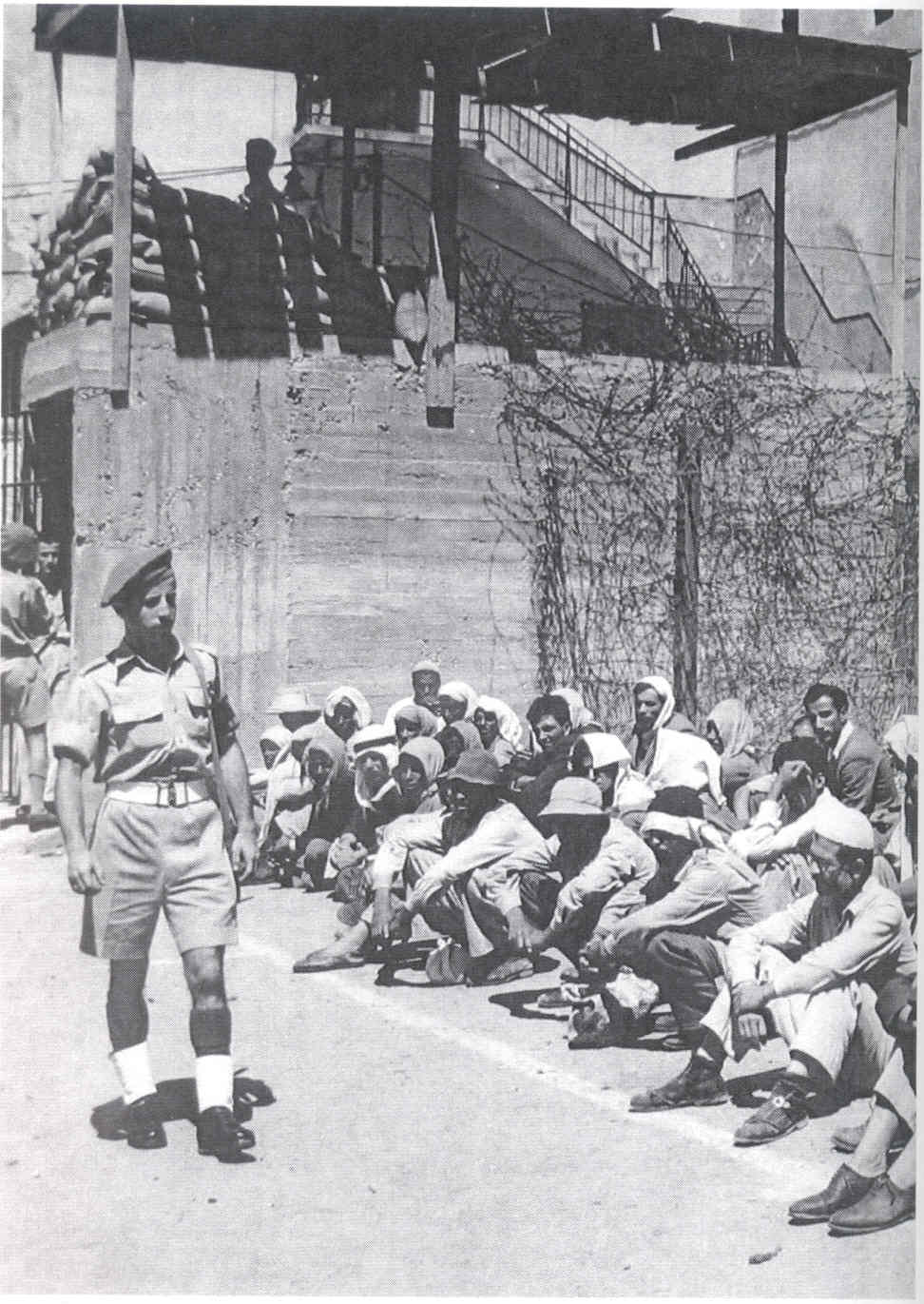 Acre - عكا : Palestinian civilians taken as prisoners of war soon Acre's occupation, May 1948