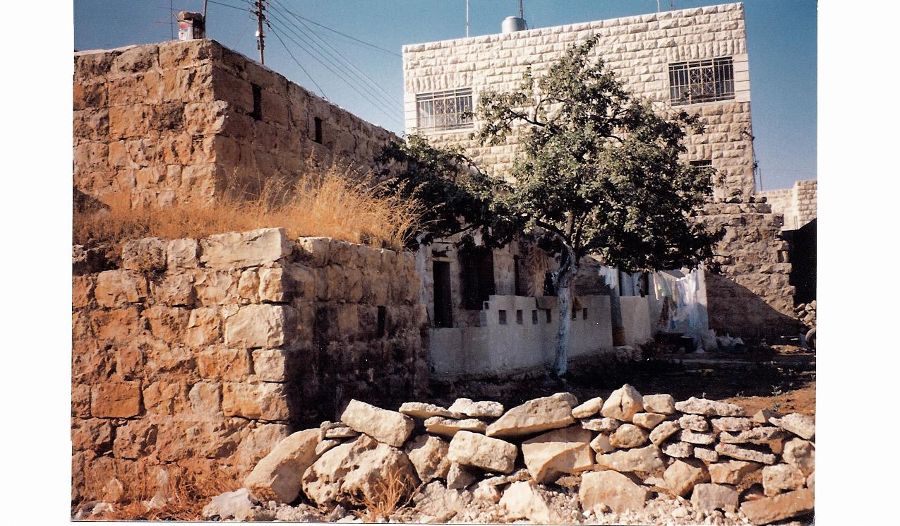 Sha'ab - شعب :  One of older homes in Shaab