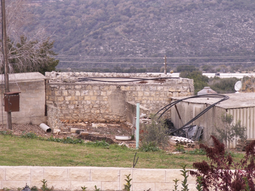 Tarbikha - تربيخا : A house still used (Moshav Shomera)