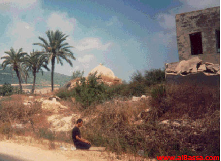al-Bassa - البصة : A Bassawi Muslim Prays for the Return