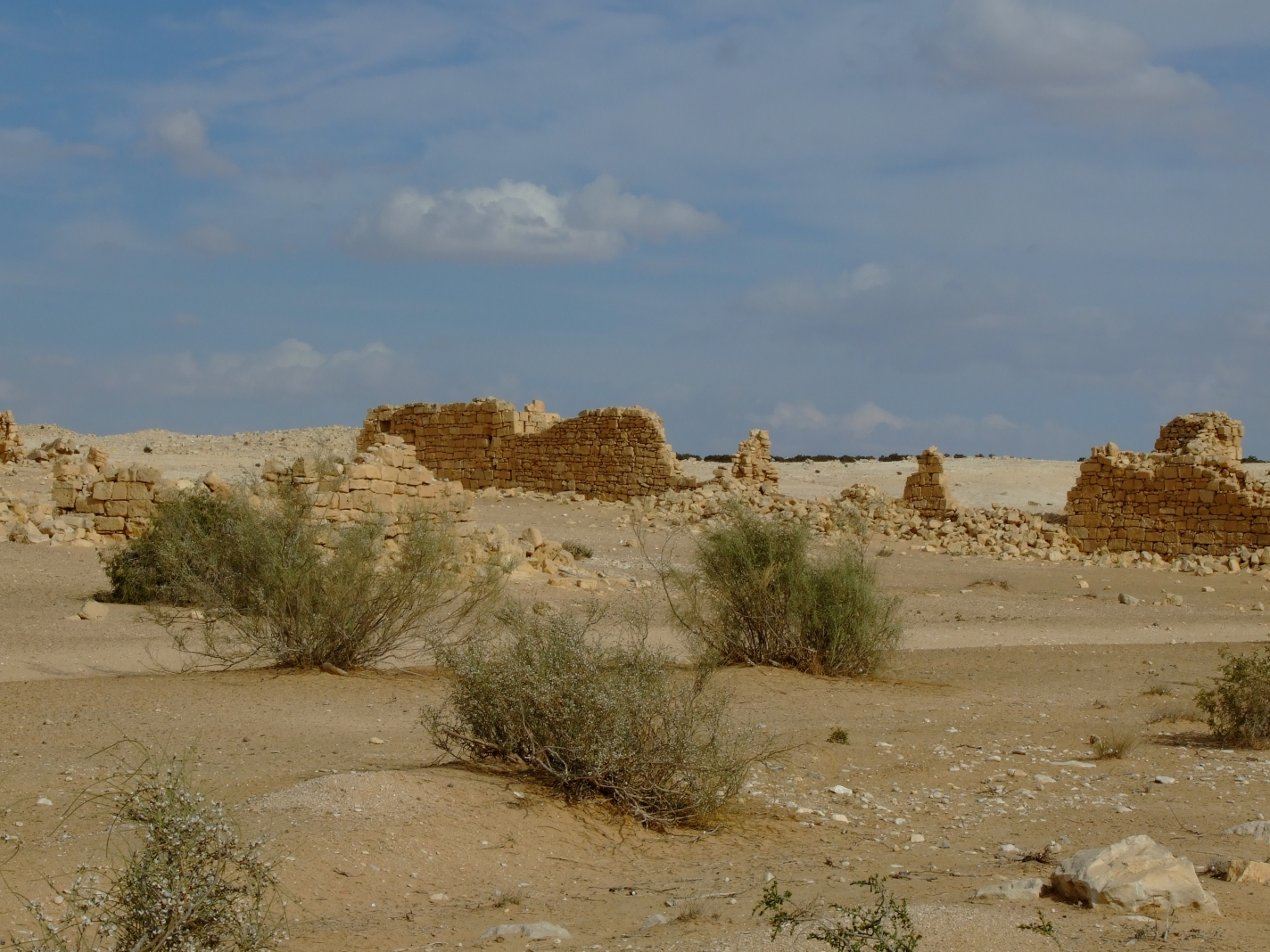 al-Khalasa - الخلصة : Village remains
