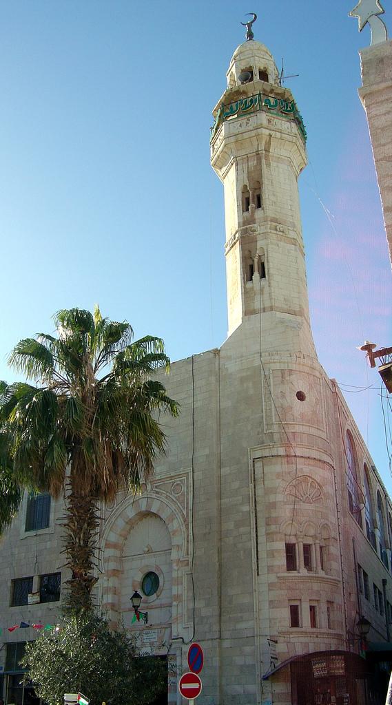 Bethlehem-بيت لحم: جامع عمر ابن الخطاب الموجود مقابل كنيسة المهد