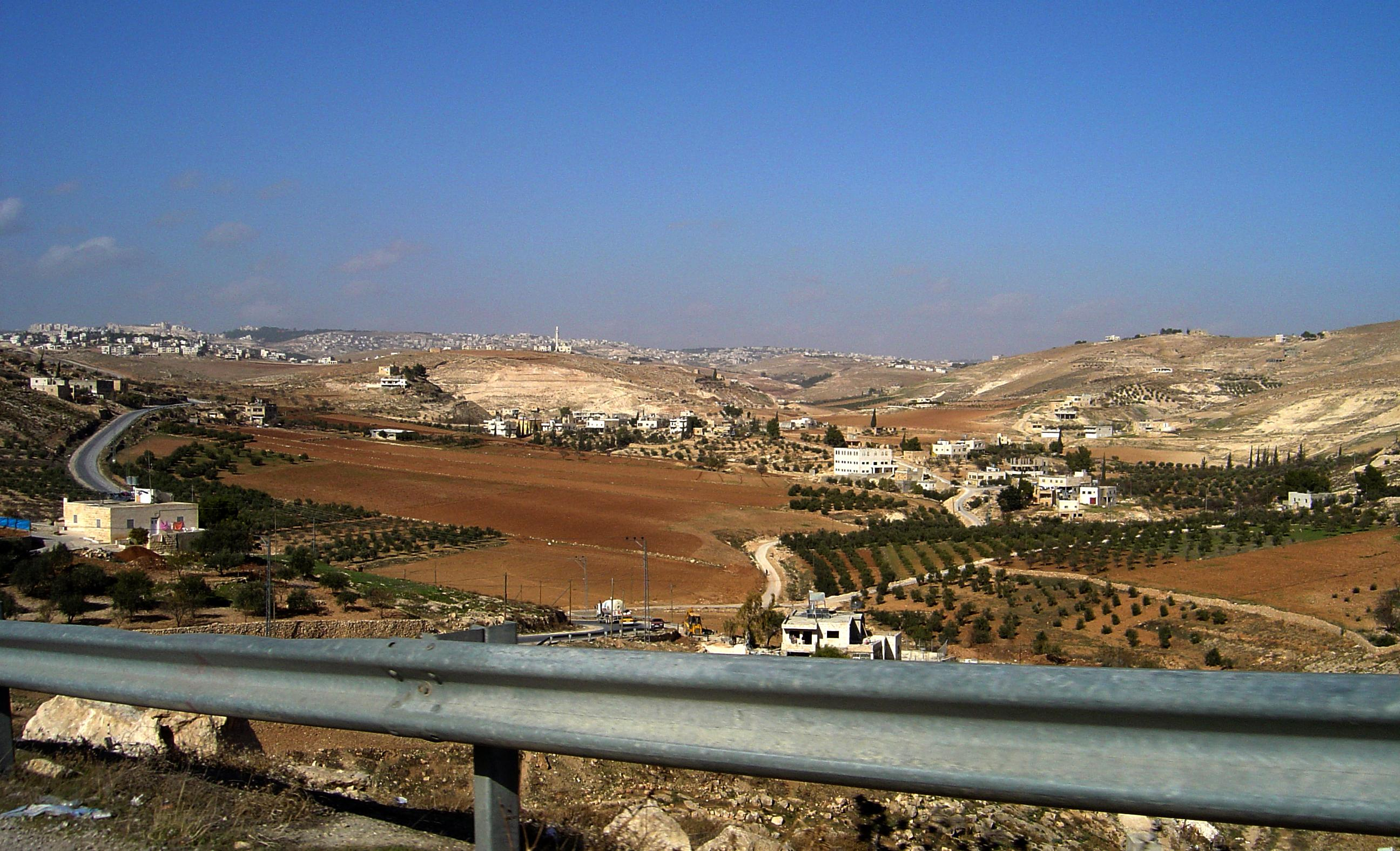 Bethlehem-بيت لحم: منظر عام للمدينة من الجهة الجنوبية الغربية