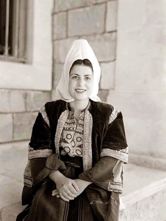 Bethlehem - بيت لحم : Bethlehem woman, 1940s
