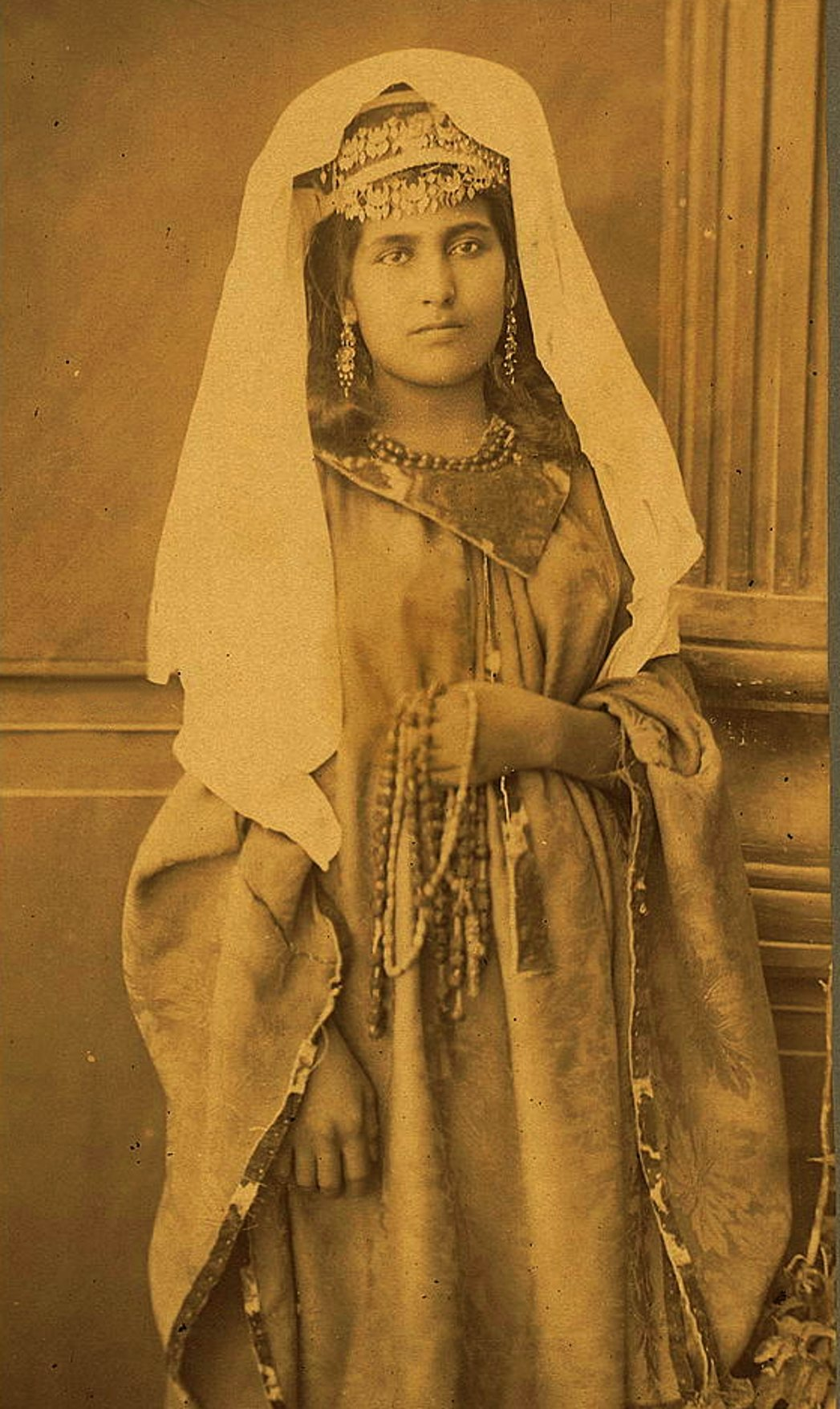 Bethlehem - بيت لحم : Women of Bethlehem 98 - (late 19th, early 20th c.) 1880s