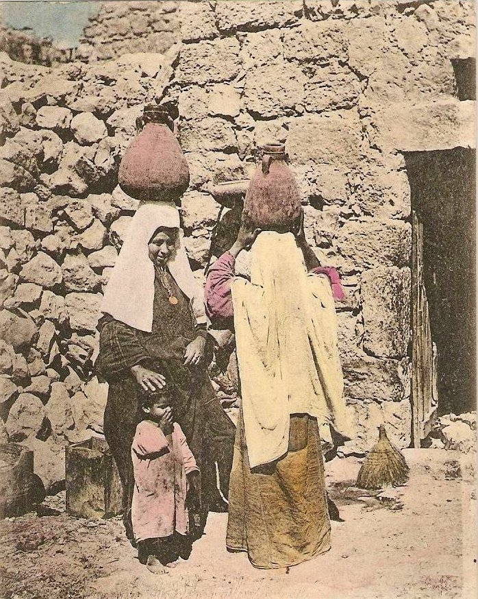 Bethlehem - بيت لحم : Women of Bethlehem 104 (late 19th, early 20th c.)