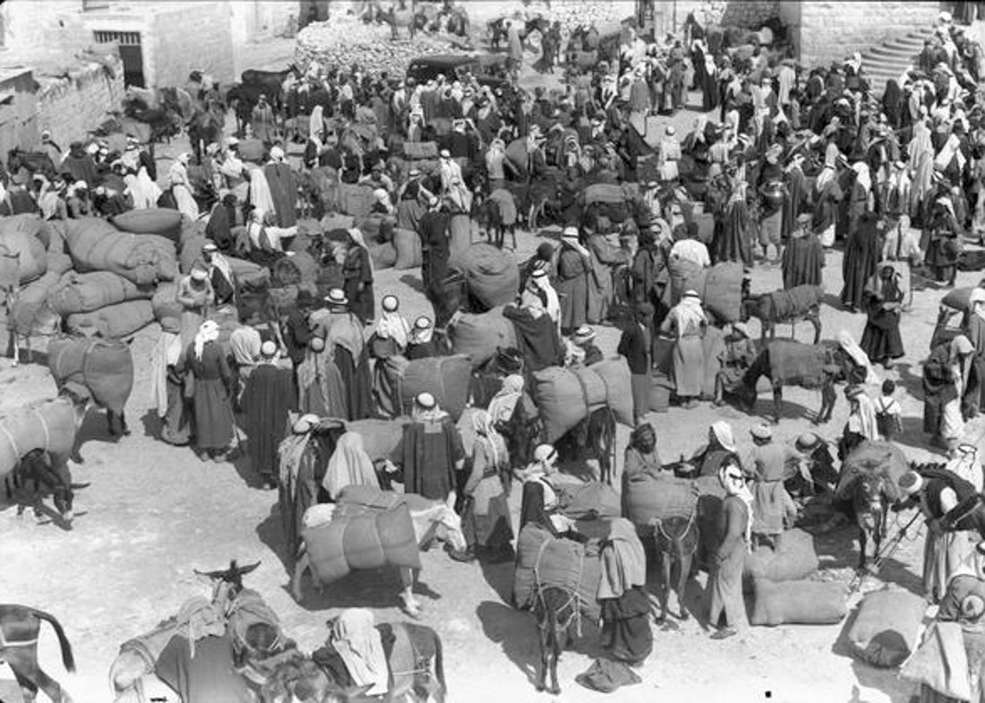 Bethlehem - بيت لحم : PALESTINE - Bethlehem - Market day, ca. 1941 - (National Library of Australia)