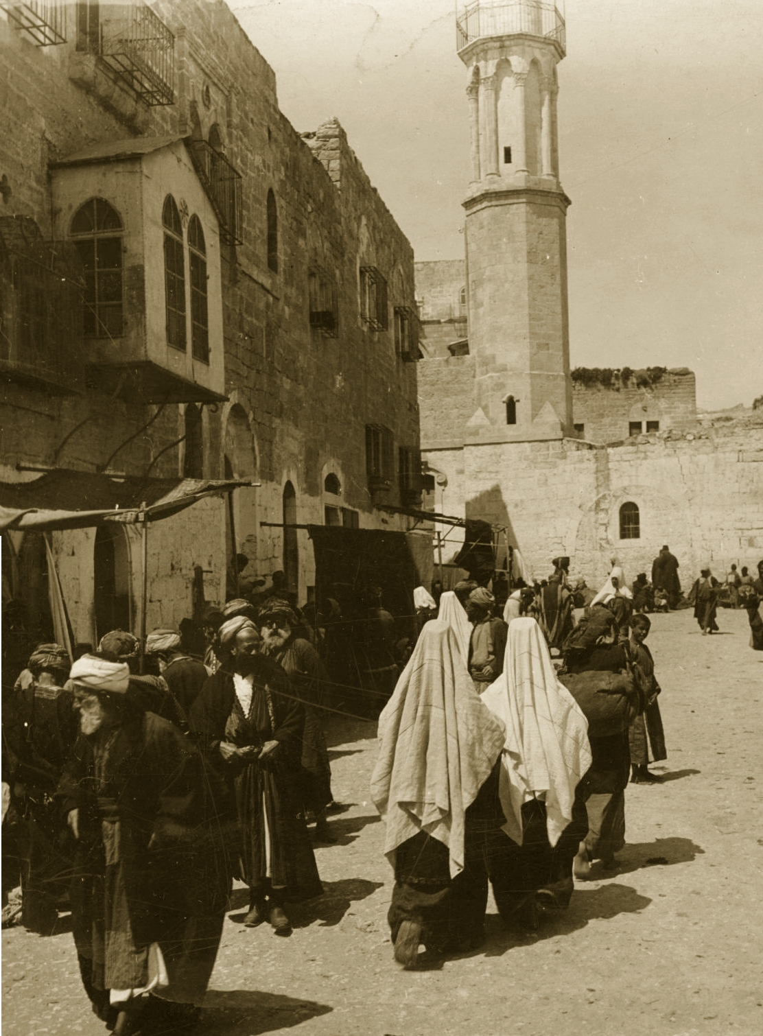 Bethlehem - بيت لحم : Women of Bethlehem 159 (late 19th, early 20th c.) - Going to the market (Per Reem Ackall)