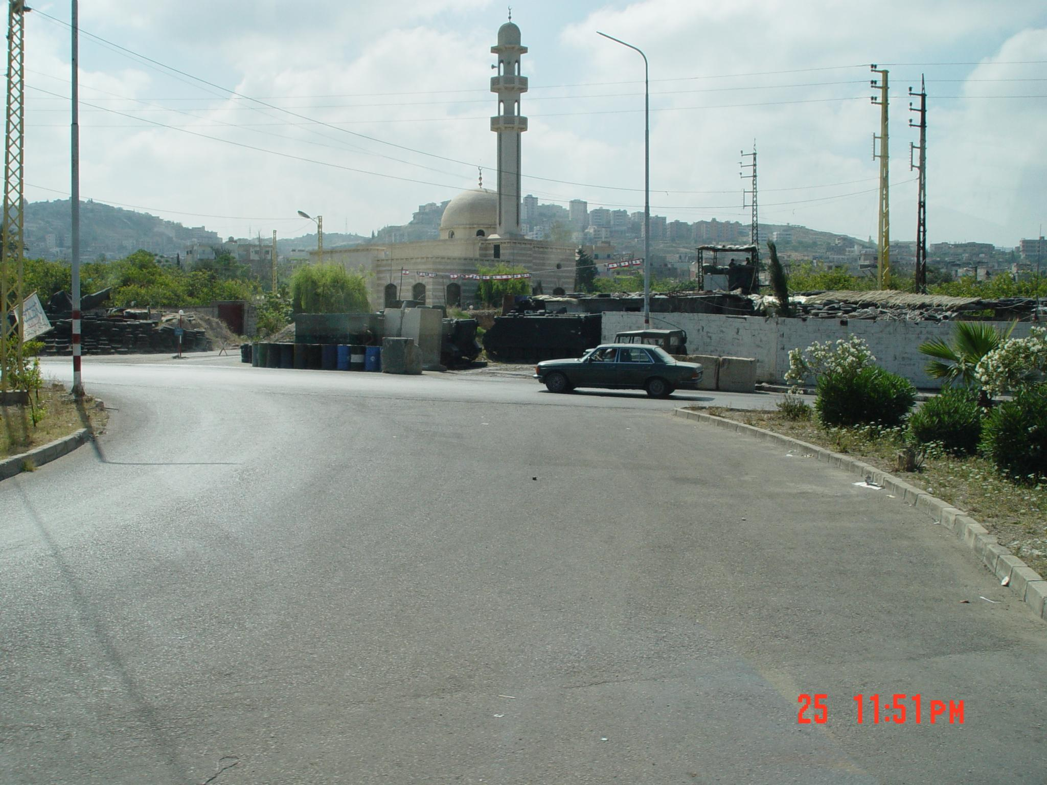 Ein el Helweh R.C. - مخيّم عين الحلوه : General view (May, 2003) (#6). Note the army post to control the population.