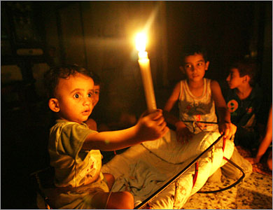 Gaza Jail Break - فك طوق الأسر عن اهل غزة : Breaking the siege with a candle