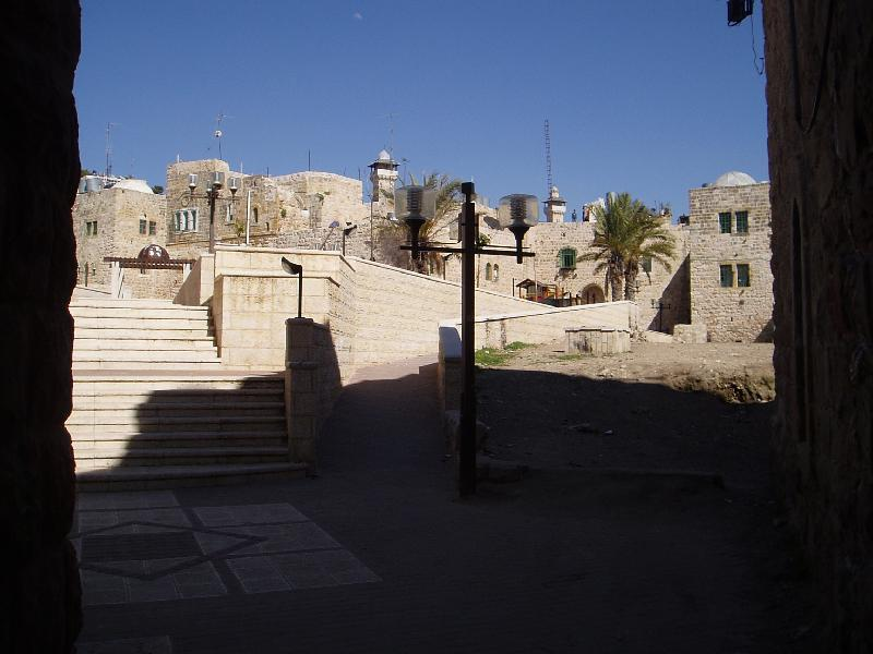 Hebron - الخليل : A court yard in the Casabah, note the Haram Ibrahimi minaret