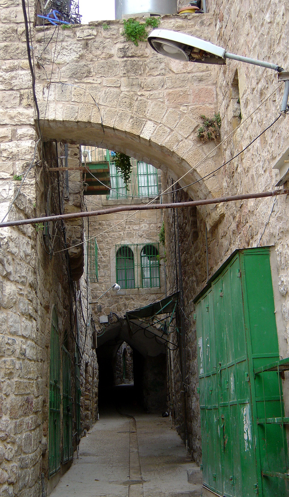 Hebron - الخليل : Alleway inside the old city