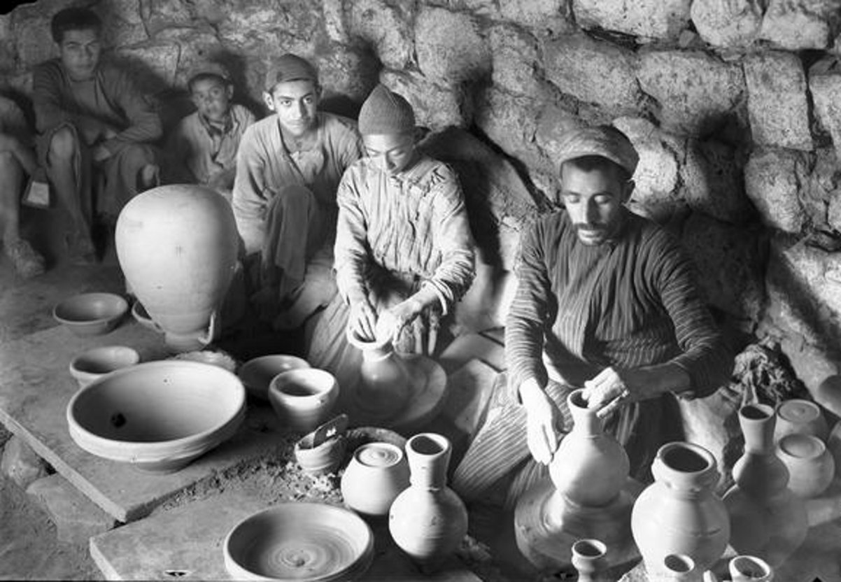 Hebron - الخليل : Hebron - Palestinians of Hebron area work In a potter's workshop, early to mid. 20th c.