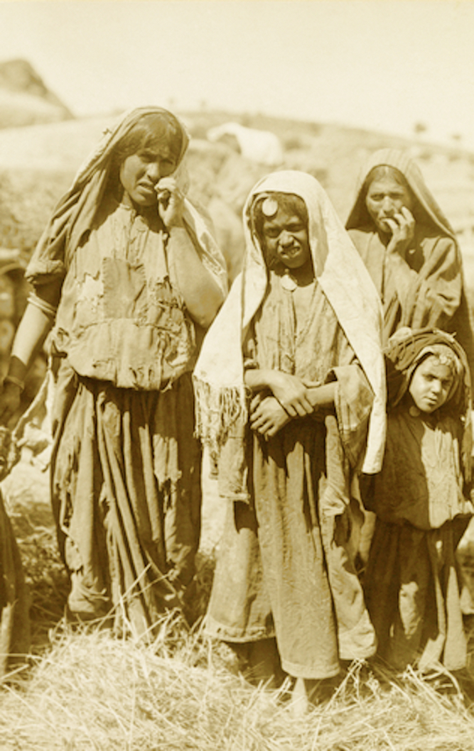 Hebron - الخليل : Hebron - Late 19th, early 20th c. - 74 - Palestinian peasants of Hebron (Per Reem Ackall)