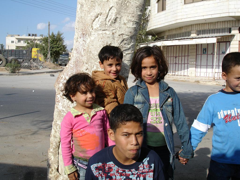 Jericho - أريحا : The kids. Note how the little girl is holding the hands of the other two kids