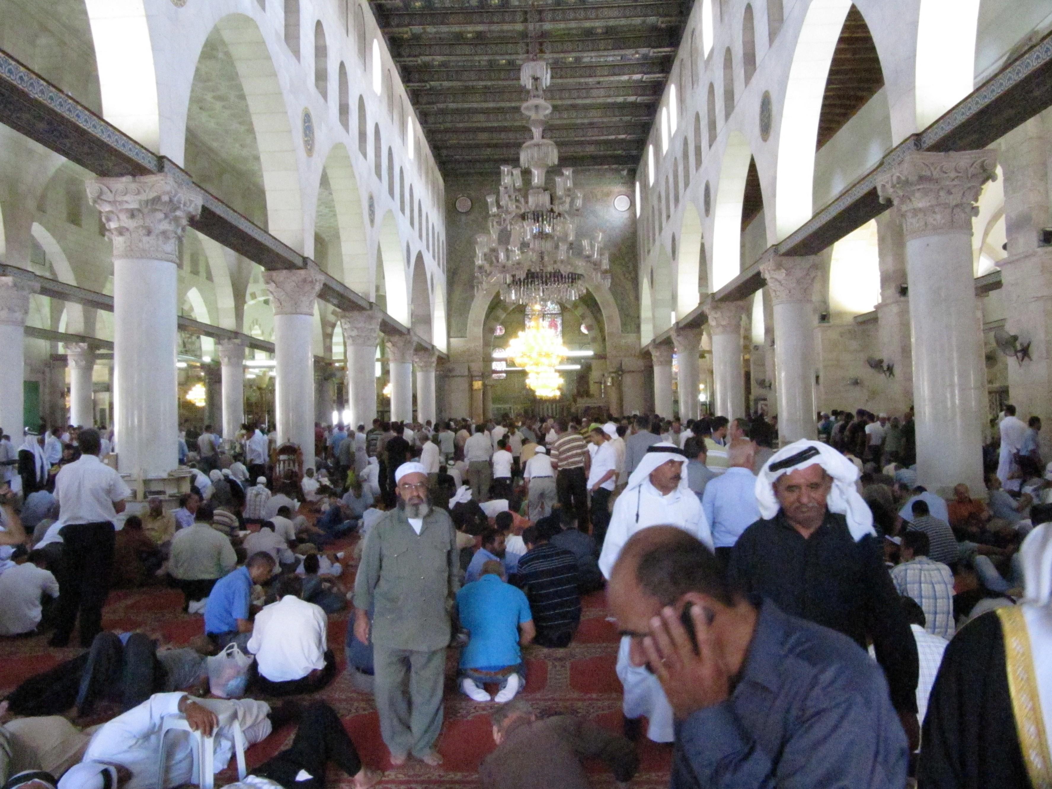 القدس الشريف-القدس: المسجد الأقصى من الداخل ما بعد انتهاء ...