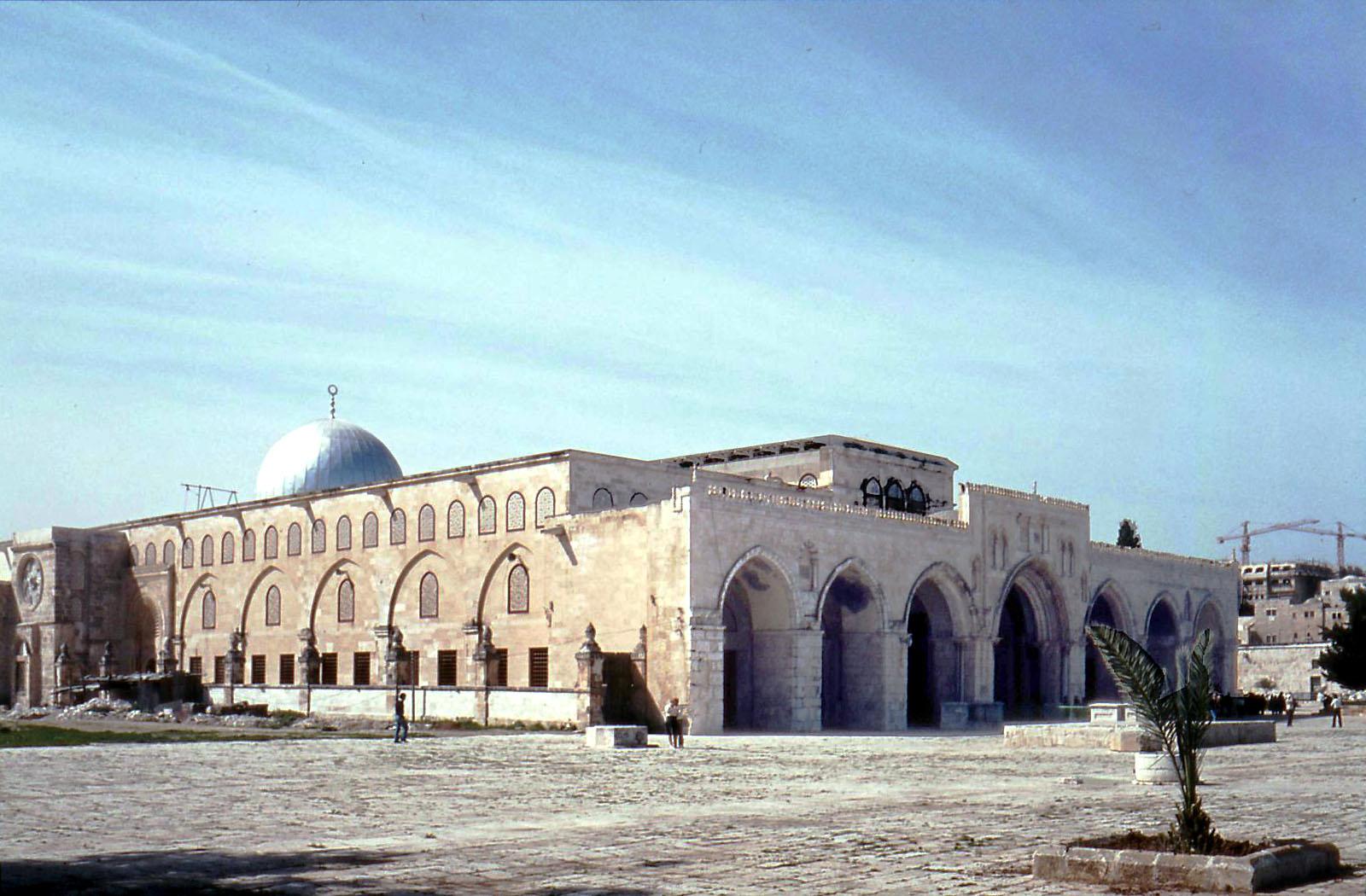 شيء يجب ان تعرفه قبل ان تقبل على القضية الفلسطينية Al_aqsa_mosque