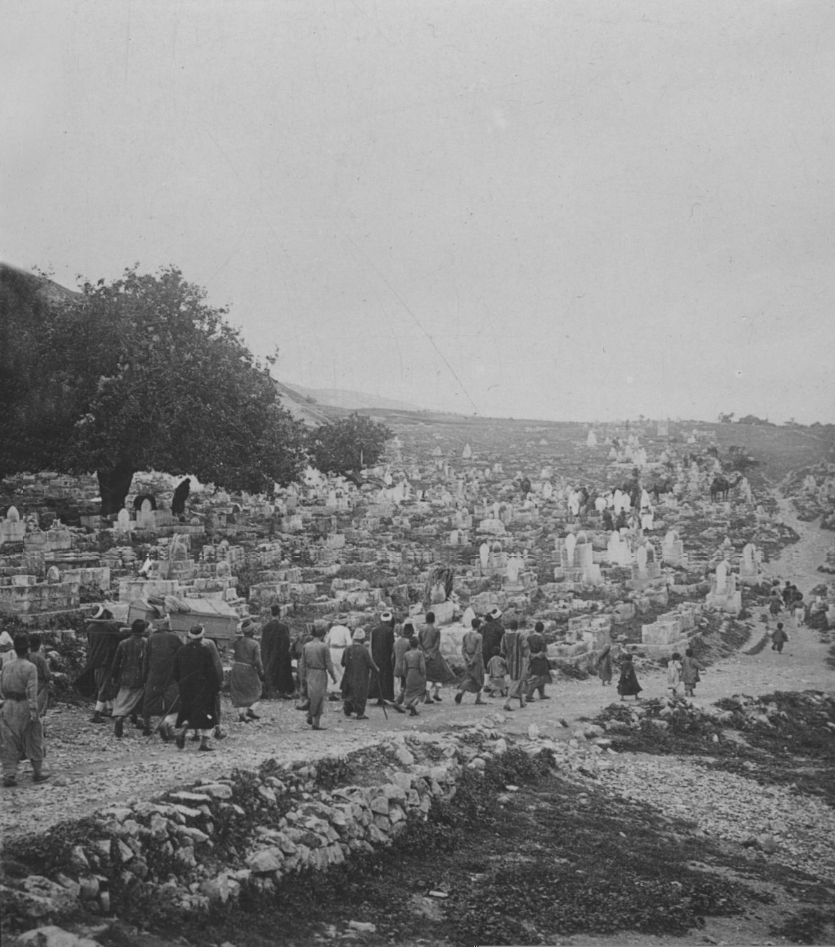 Nablus - نابلس : NABLUS - Late 19th, early 20th c. 82 - Moslem Funeral in the cemetery to the South of Nablus