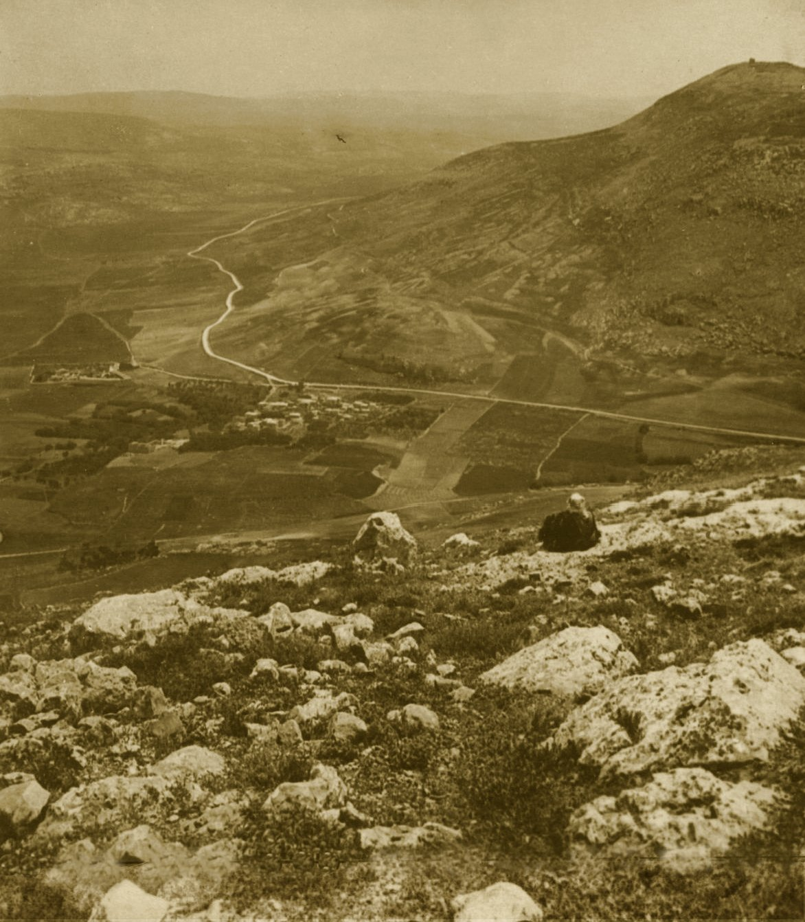 Nablus - نابلس : NABLUS - Late 19th, early 20th c. 87 - Looking south from Ebal, overlooking the Barley fields in the valley of Nablus