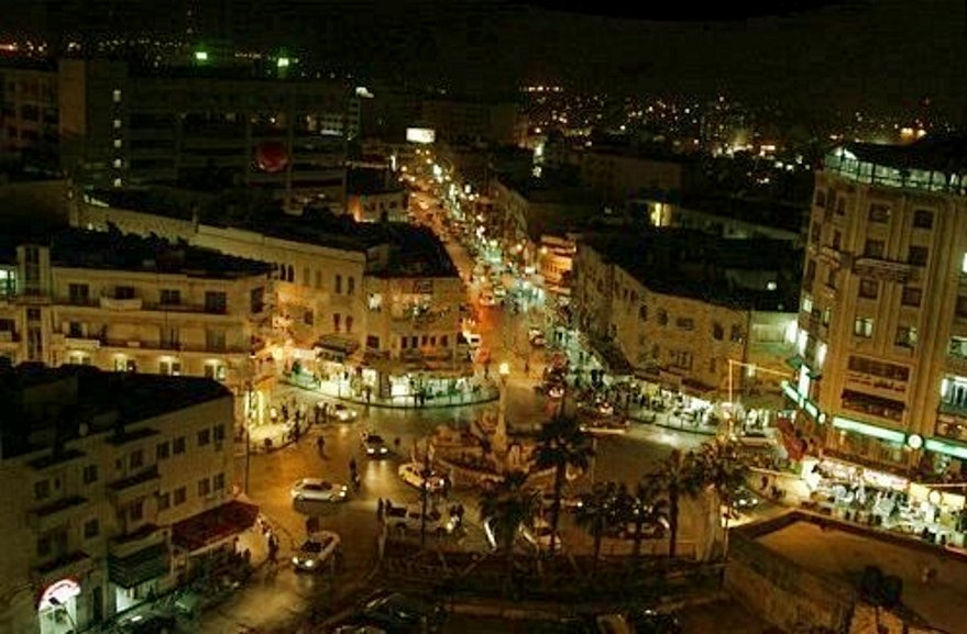 Ramallah - رام الله : Al-Manarah at night 3