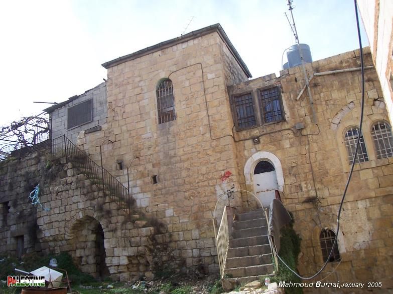 Ramallah - رام الله : Typical Palestinian architecture #3 Note the arches, staircases, and iron work