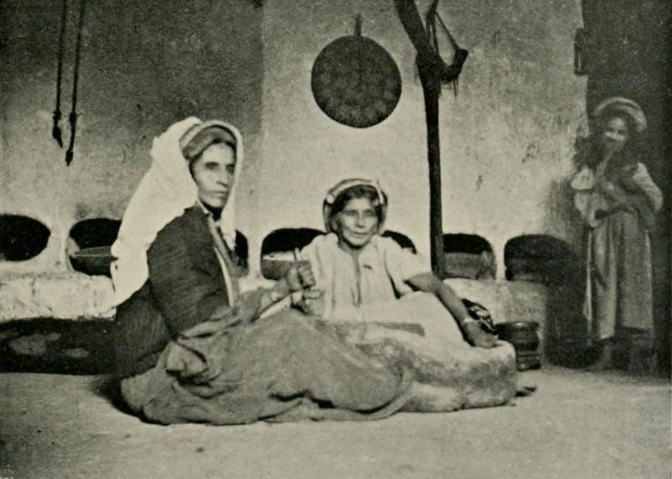 Ramallah - رام الله : RAMALLAH - Late 19th, early 20th c. - Women grinding indoors