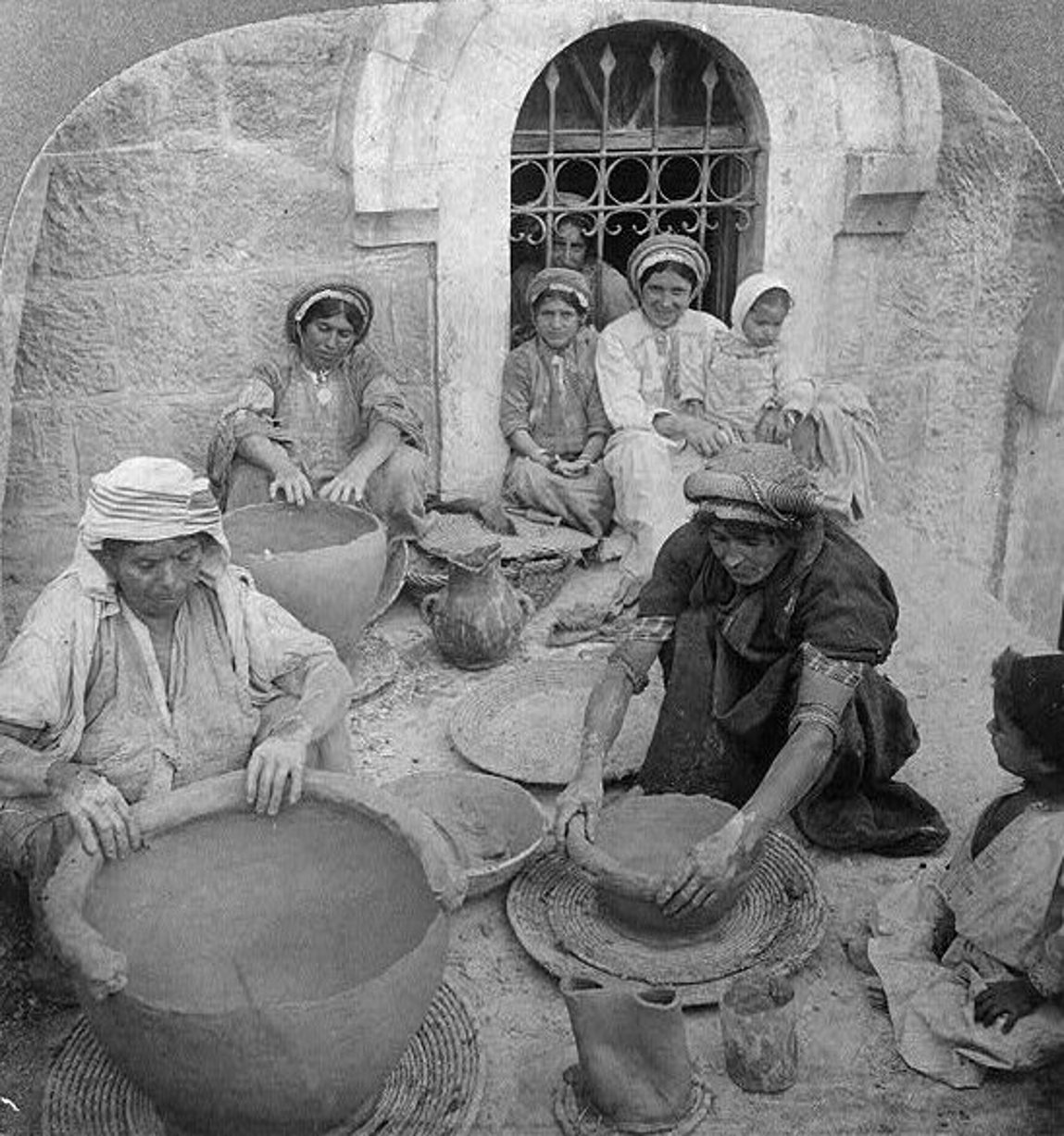 Ramallah - رام الله : Women making clay jars, Ramallah, Palestine - 1905