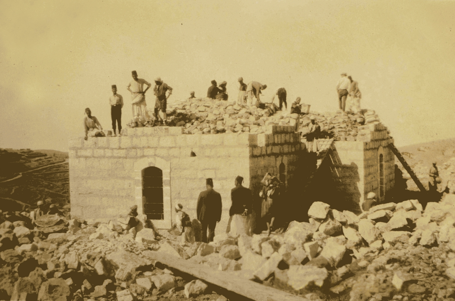 Ramallah - رام الله : RAMALLAH - Buildind a small  Palestinian house in Ramallah (Filling over the Ribbed or groin vaults) ,1923