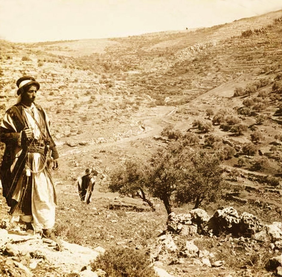 Ramallah - رام الله : RAMALLAH - Palestinians amongst the north-eastern hills of the Ramallah district, circa 1890s (El-Tell, Dir Dibwan,El-Bireh, Taybeh, Bueqa, ????)