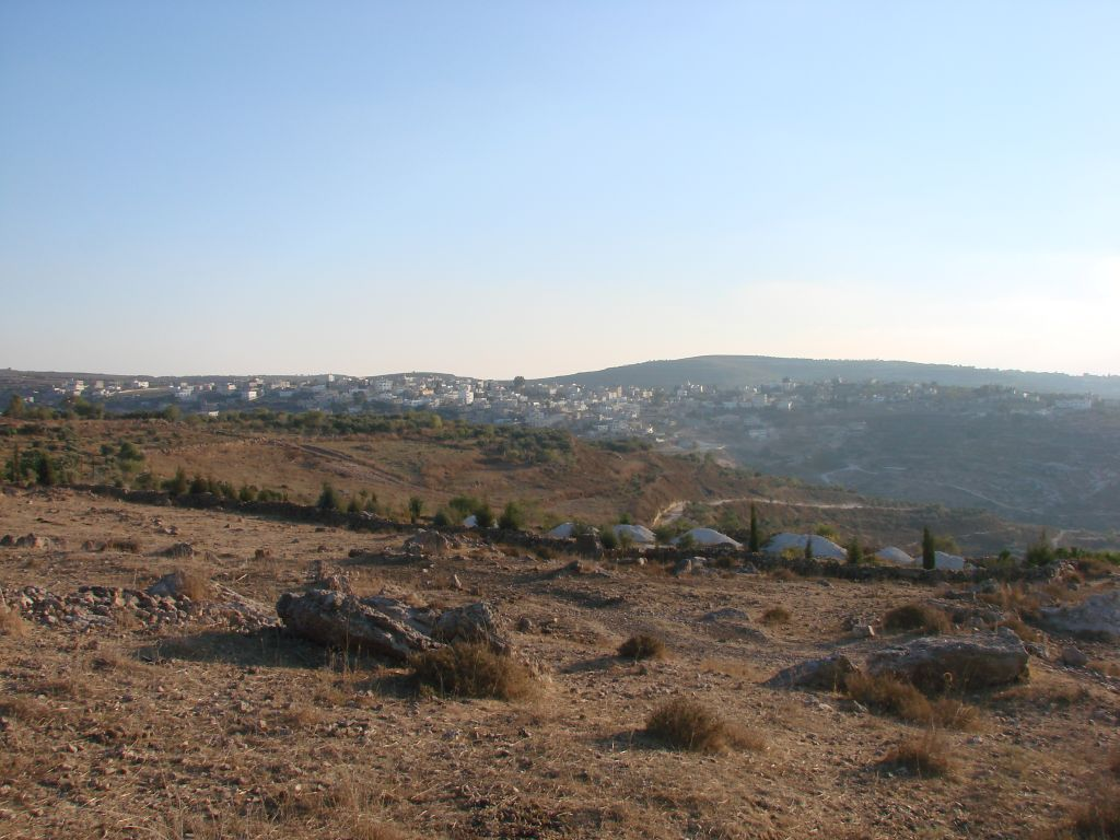 Sarra - صره : Eastside of Sarra, Picture taken from the Nablus side