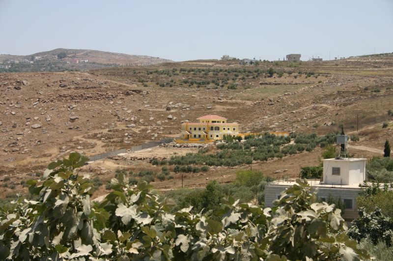 Sarra - صره : Eastside of Sarra, the last house on the side of Sarra, village of Tall in the background