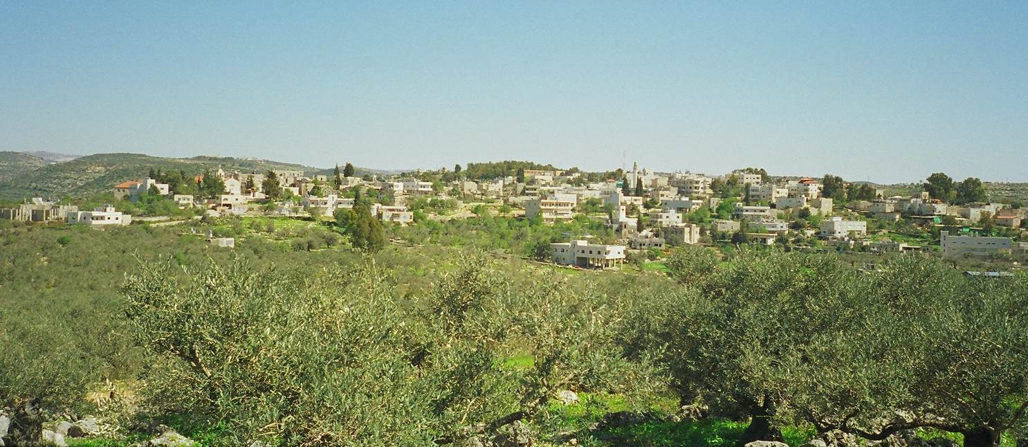 'Abud - عابود : Town of Abud from another hillside (near Shrine of St. Barbara)