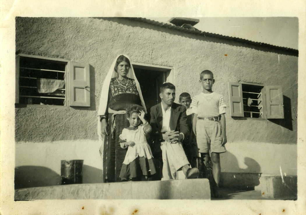 'Amari Refugee Camp - مخيّم الأمعري : Taken in 1955, Yasin Matar's family at the camp.