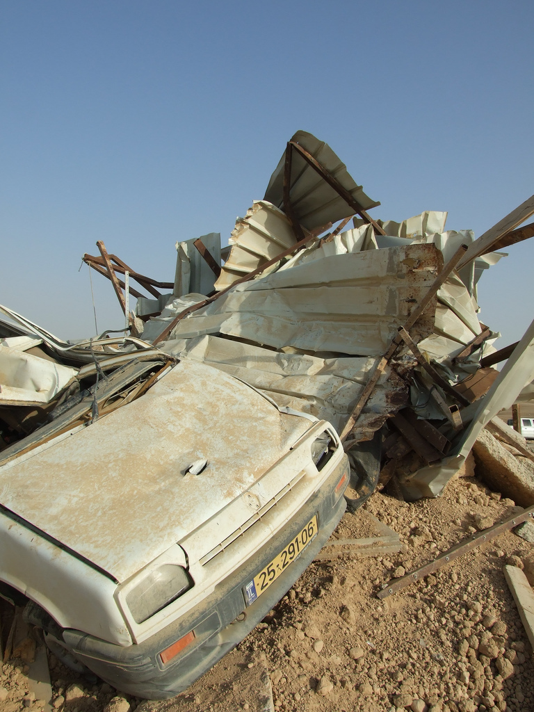 al-Araqib - العرقيب : They destroyed the car as well. After the 5th demolition.