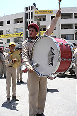 al-Ram - الرامّ : A drum band prepares to lead the demonstration from the centre of Ar-Ram to the Dahiat al Barid checkpoint.