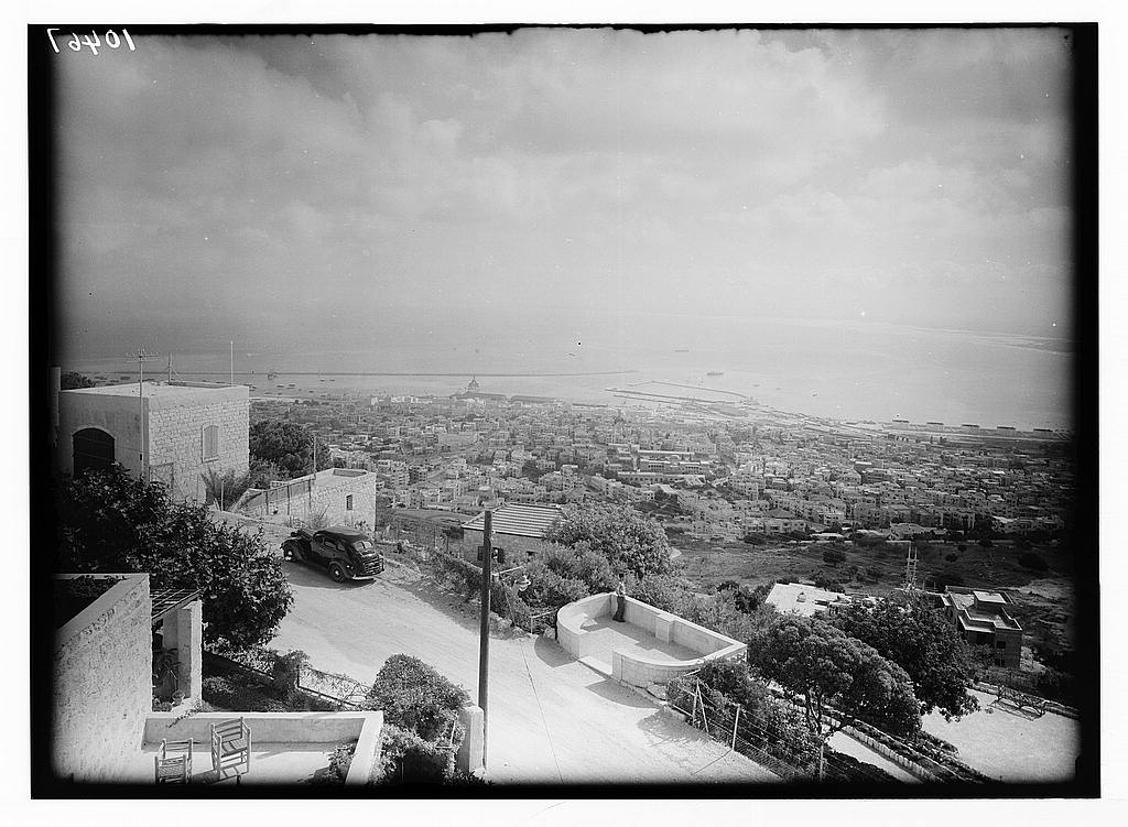 Haifa - حيفا : General view of Haifa From Mt. Carmel looking west , 1934-1939.  Maston Collection