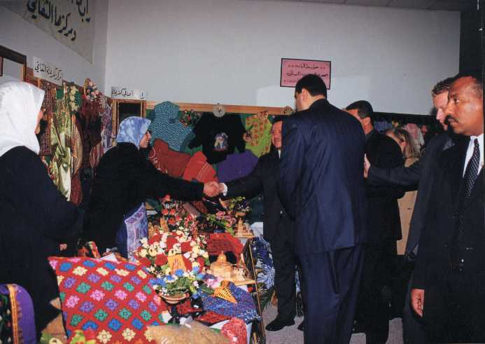 Kafr 'Ana - كفْر عانة : H.M. King Abdullah II opening the 5th exhibition of Kafr Ana'a unity 2001 (pic#02) .