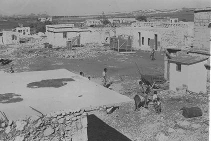 Rantiya - رنتيّة : General View Of Rantiya As It's Being <b>LOOTED</b>, 1949. Please Note That It Was Arab Jews Who First Live In Rantiya.