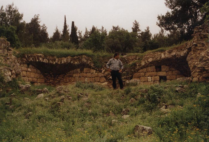 Dayr Aban - دير آبان : The destroyed Mosque of Deir Abban, March-2002