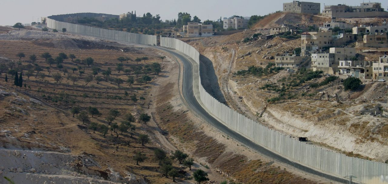 Abu Dis-أبو ديس: الجدار العنصري