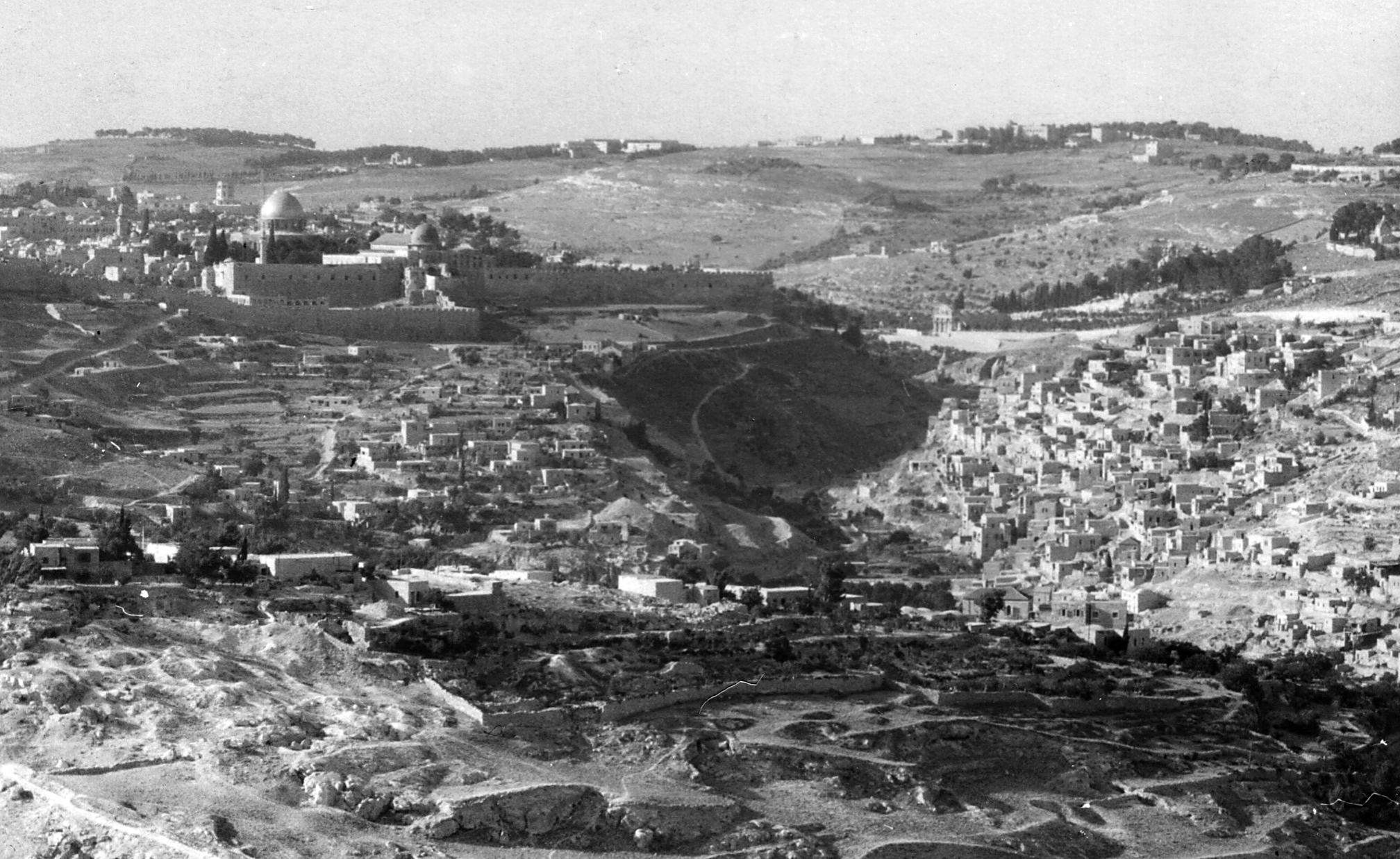Jerusalem-القدس الشريف: General view looking northeast (1962), Silwan can be seen on the right hand side-1962
