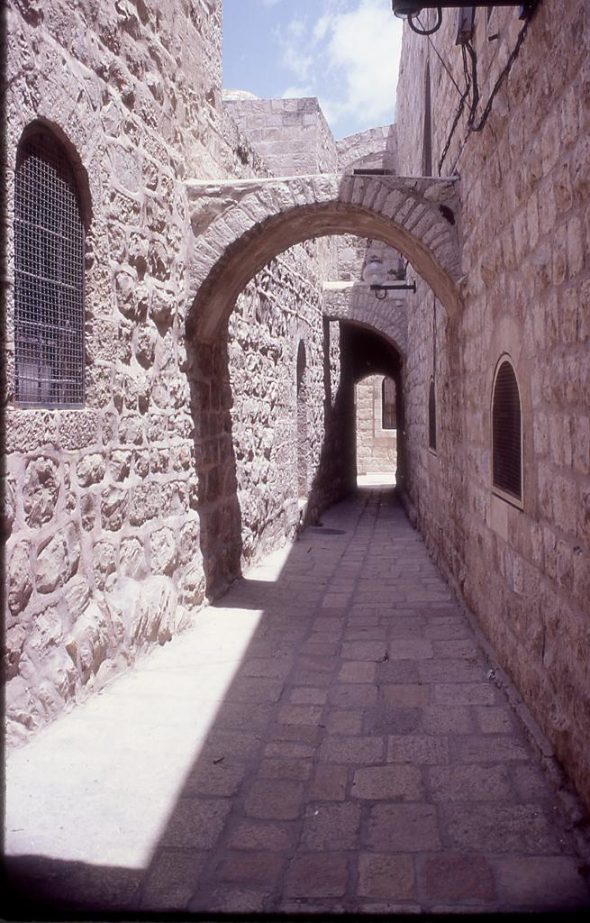 Jerusalem - القدس الشريف : Alleyway in the Old City.