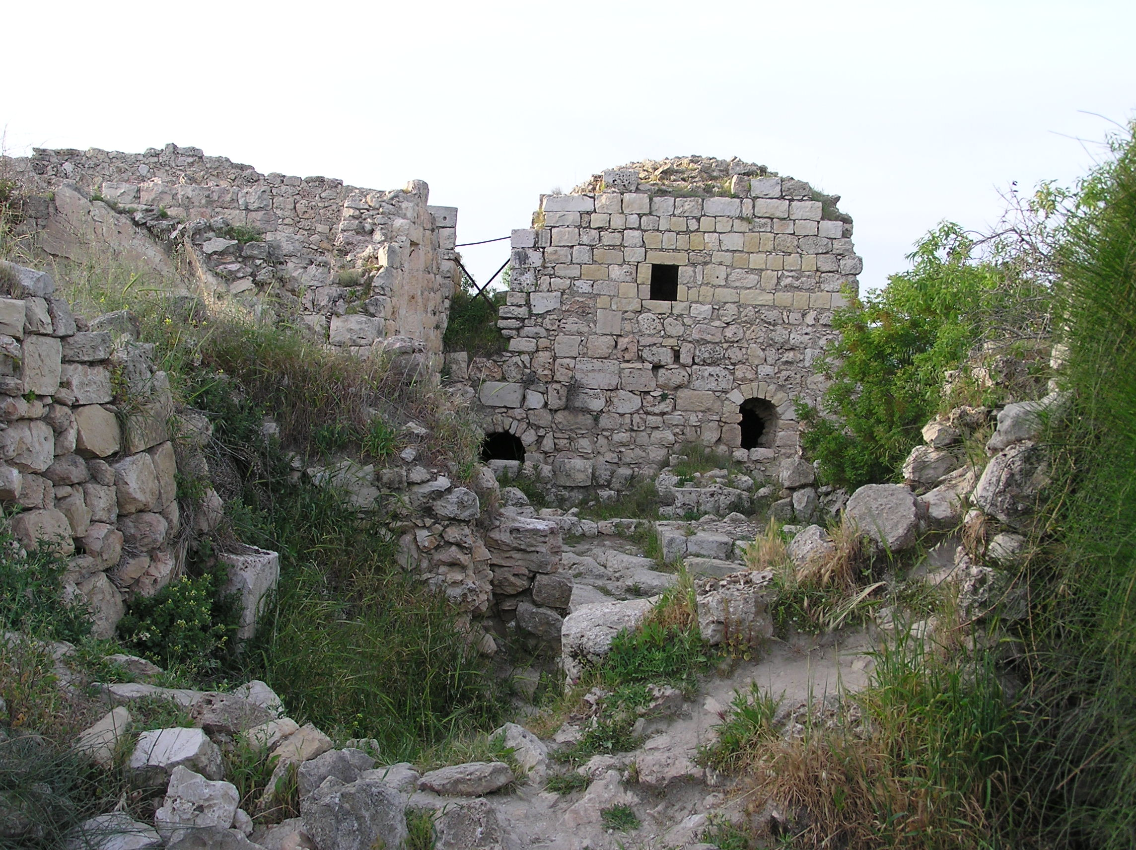 Suba - صوبا : Suba's Houses In Ruins Remain Standing Over Decades Of Neglect (Village Center Area).