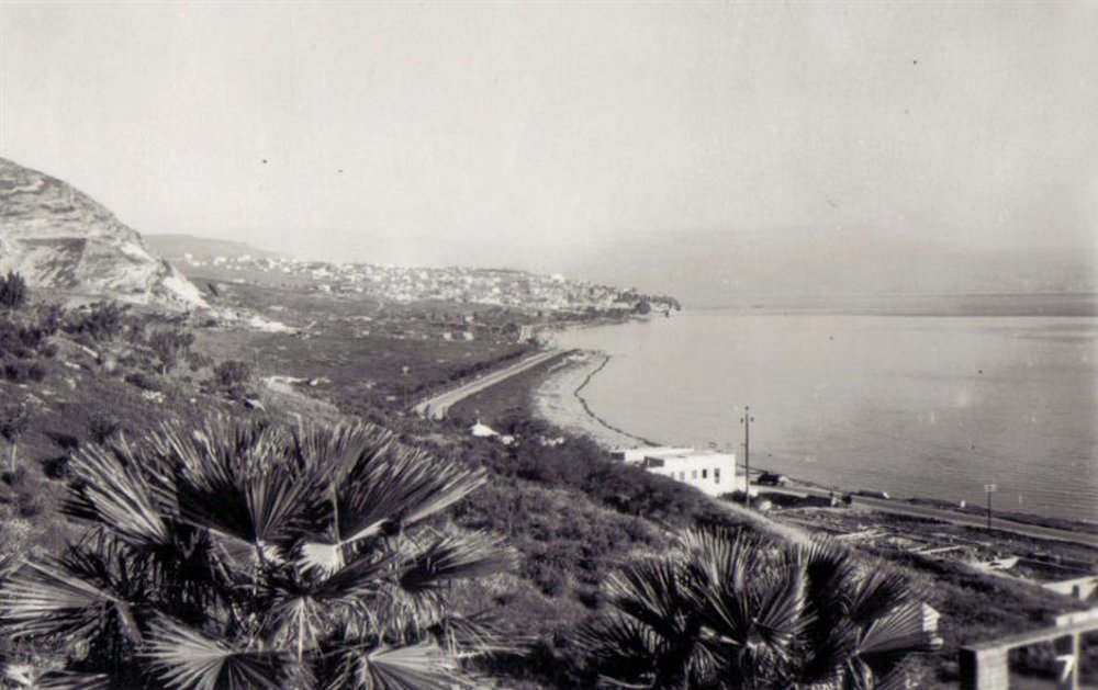 Tiberias - طبريه : TIBERIAS - The lake road to the city, 1947