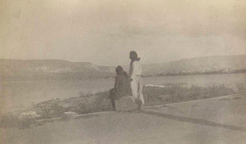 TIBERIAS - Late 19th, early 20th c. 105 - Two Arabs of Tiberias and a tranquil lake