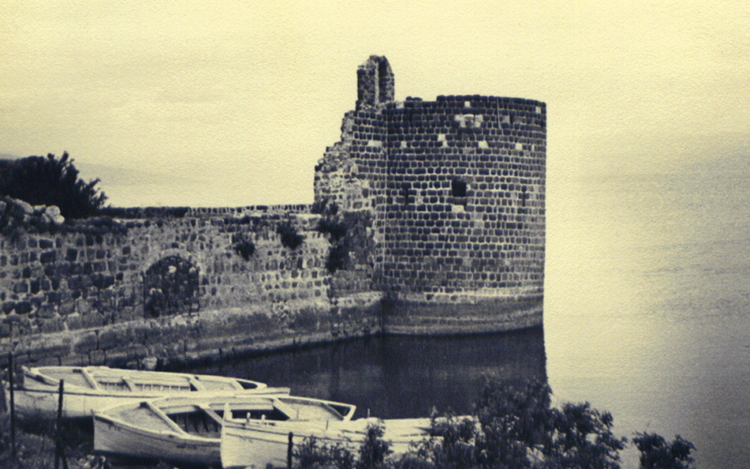 northeastern tower of the walls of Tiberias, 1940