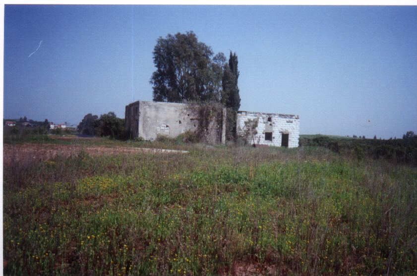 Miska - مسكة : Miska's school and what remains of it #3, March 2002